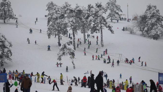 Na skijalištima u Srbiji korone kao da nema 4