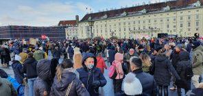 """Beč: Protestna šetnja protiv """"korona diktature"""" (FOTO) 2"""