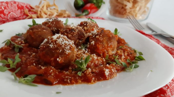 Recept: Ćufte u sosu od paradajza 13