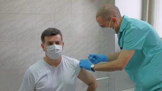 Dačić, Vulin i Đerlek primili rusku vakcinu Sputnjik V 2