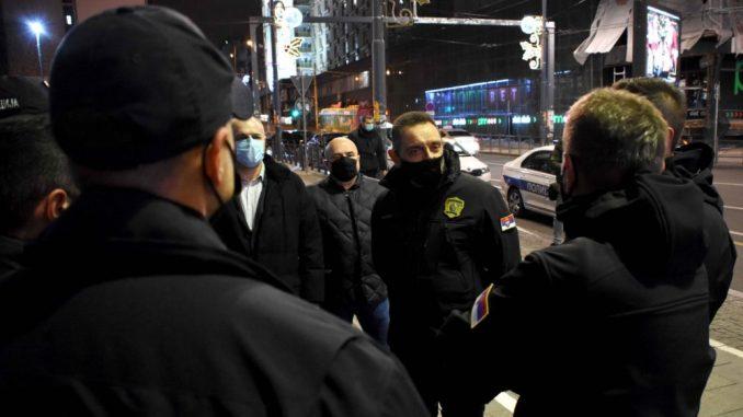 Vulin obišao policijske službenike koji rade tokom novogodišnje noći 1