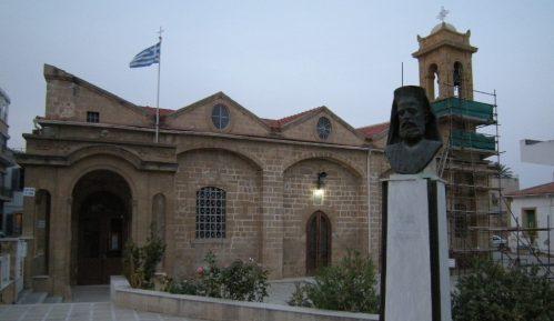 Kipar: Pola veka podele u Nikoziji 8