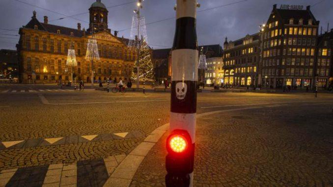 Sukobi holandske policije i demonstranata u Amsterdamu i Ajndhovenu 4