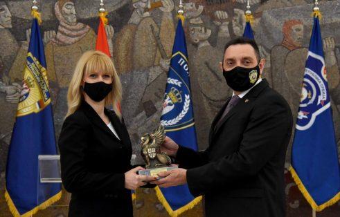 Vulin uručio nagrade najhrabrijim policajcima (FOTO) 5
