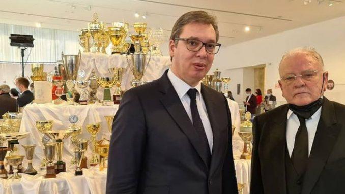 Radnički uručio priznanja Dušanu Ivkoviću i Aleksandru Vučiću 1