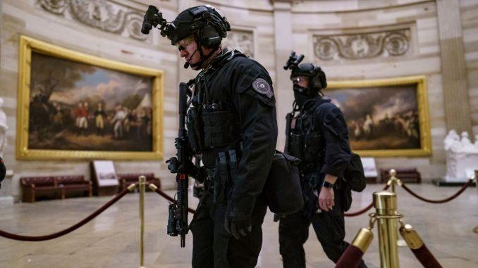 Četiri osobe poginule tokom nasilja Trampovih pristalica u Kongresu SAD 36