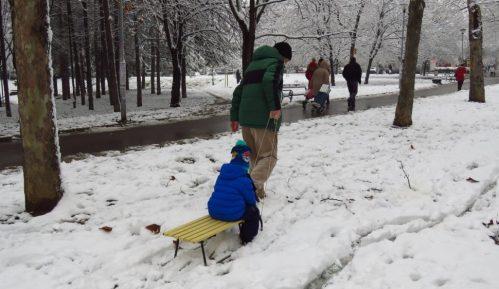 Danas uglavnom oblačno i hladno sa slabim snegom 15