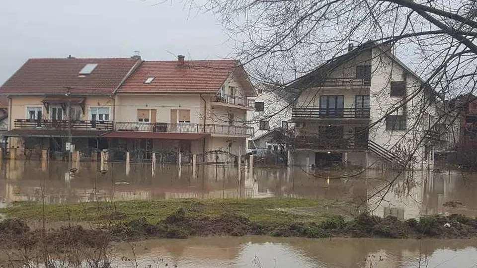 MUP: Voda se postepeno povlači nakon poplava 2