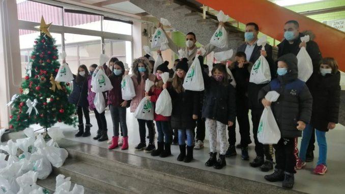 CarGo i Hilandar paketićima obradovali 1.300 dece iz ugroženih područja 3