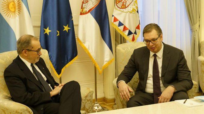 Aleksandar Vučić primio u oproštajnu posetu ambasadora Argentine 4