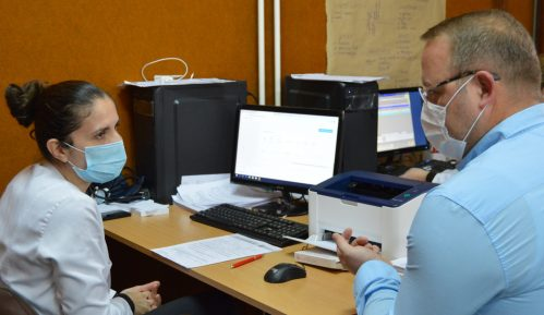 Vakcinu primio gradonačelnik Bora Aleksandar Milikić 5