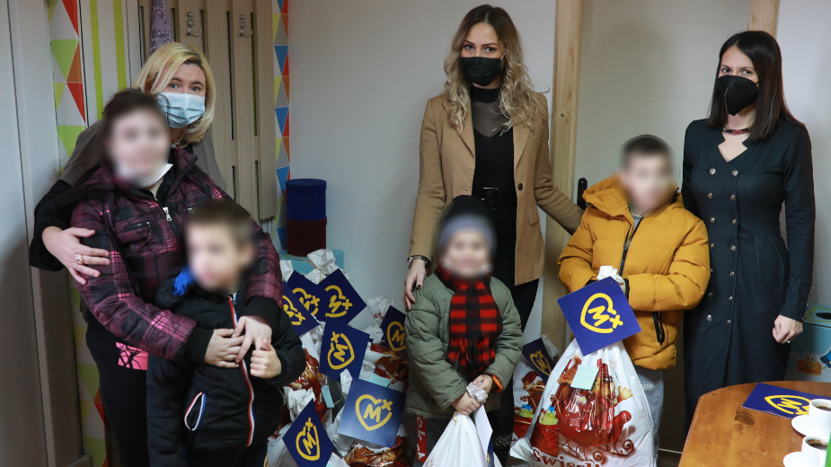 Mozzart donirao paketiće Udruženju za pomoć osobama sa autizmom 2