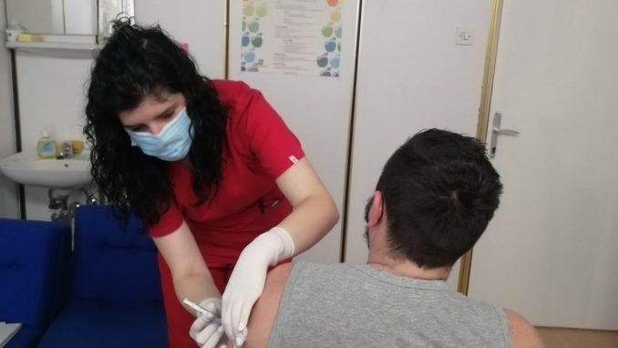 Epidemiolog Đurić: Ljudi različito reaguju na prvu i drugu dozu vakcine (VIDEO) 1