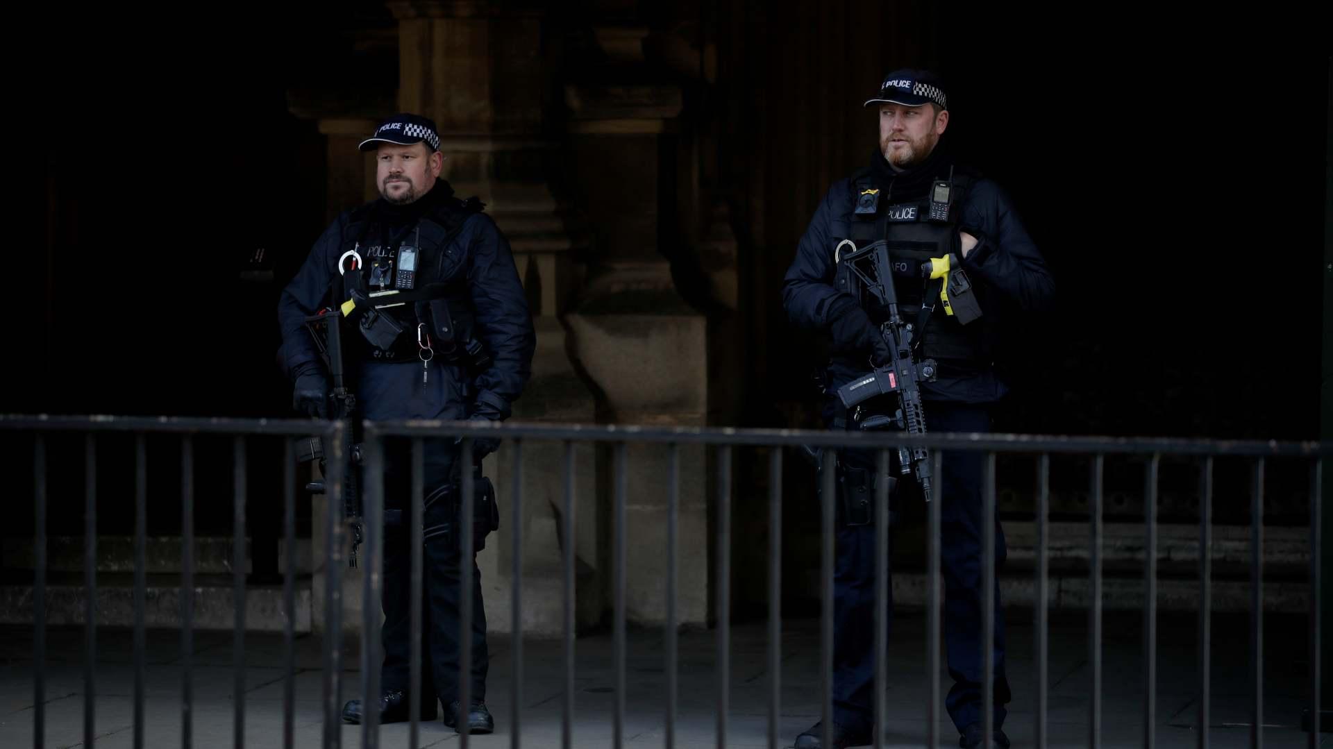 Četiri mrtve i 52 uhapšene osobe - bilans upada Trampovih pristalica u Kongres 1