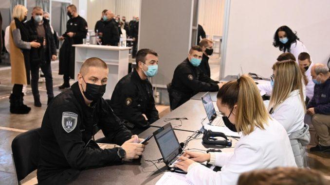 Na Beogradskom sajmu vakcinisano više od 500 pripadnika MUP-a 5