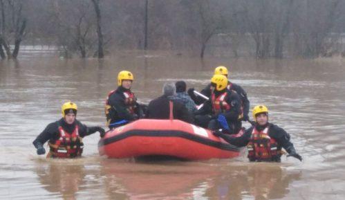 Štab za vanredne situacije: Evakuisane 93 osobe iz poplavljenih područja 15
