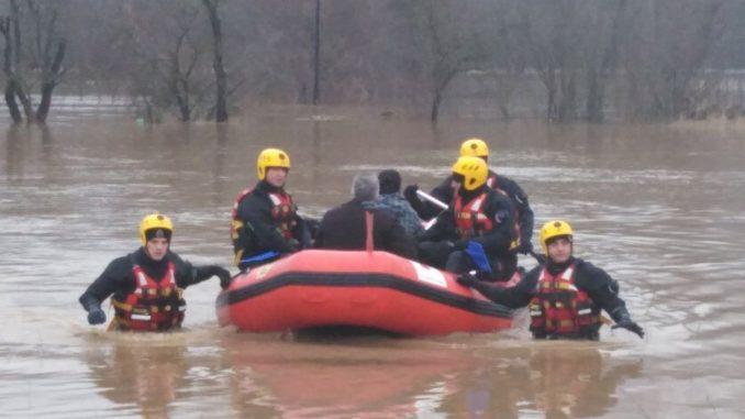 Štab za vanredne situacije: Evakuisane 93 osobe iz poplavljenih područja 1