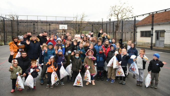 Radost koja nema cenu: Meridian posetio decu na Kosovu i Metohiji (FOTO) 1