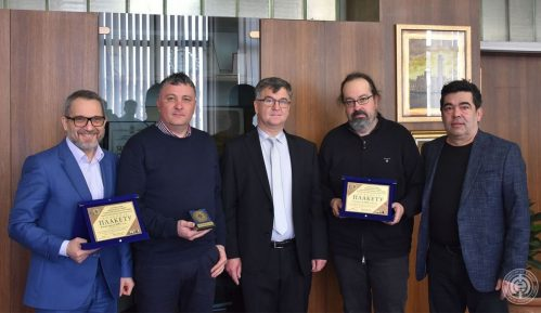 Elektronski fakultet u Nišu podelio priznanja najzaslužnijima 3