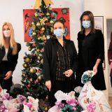 Irena Vujović i Meridian uručili paketiće za decu na Institutu za onkologiju 9