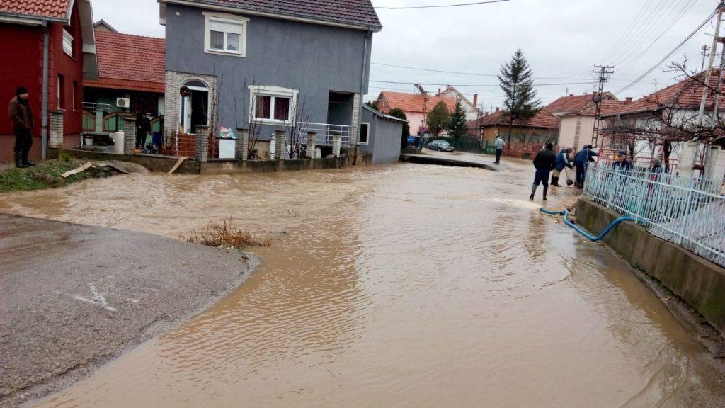 Bujične vode poplavile domaćinstva u pojedinim pirotskim naseljima 3