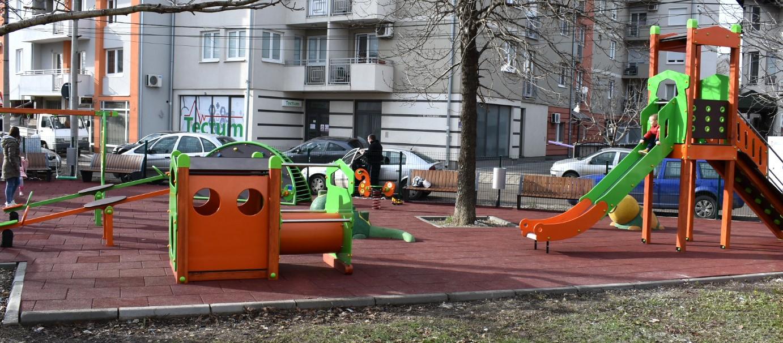 Požarevac: Dečje igralište u Knićaninovoj vredno šest miliona dinara 2