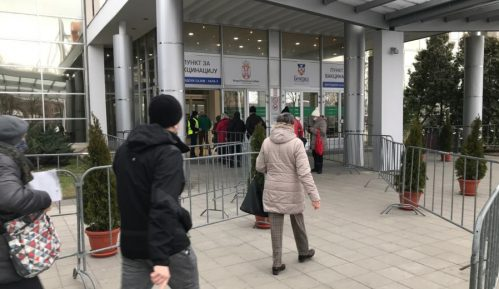 Tri vakcine na Beogradskom sajmu, od ponedeljka revakcinacija 15