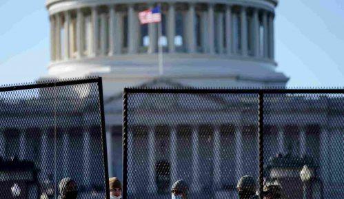 Velika većina Amerikanaca smatra da im je demokratija u opasnosti 8