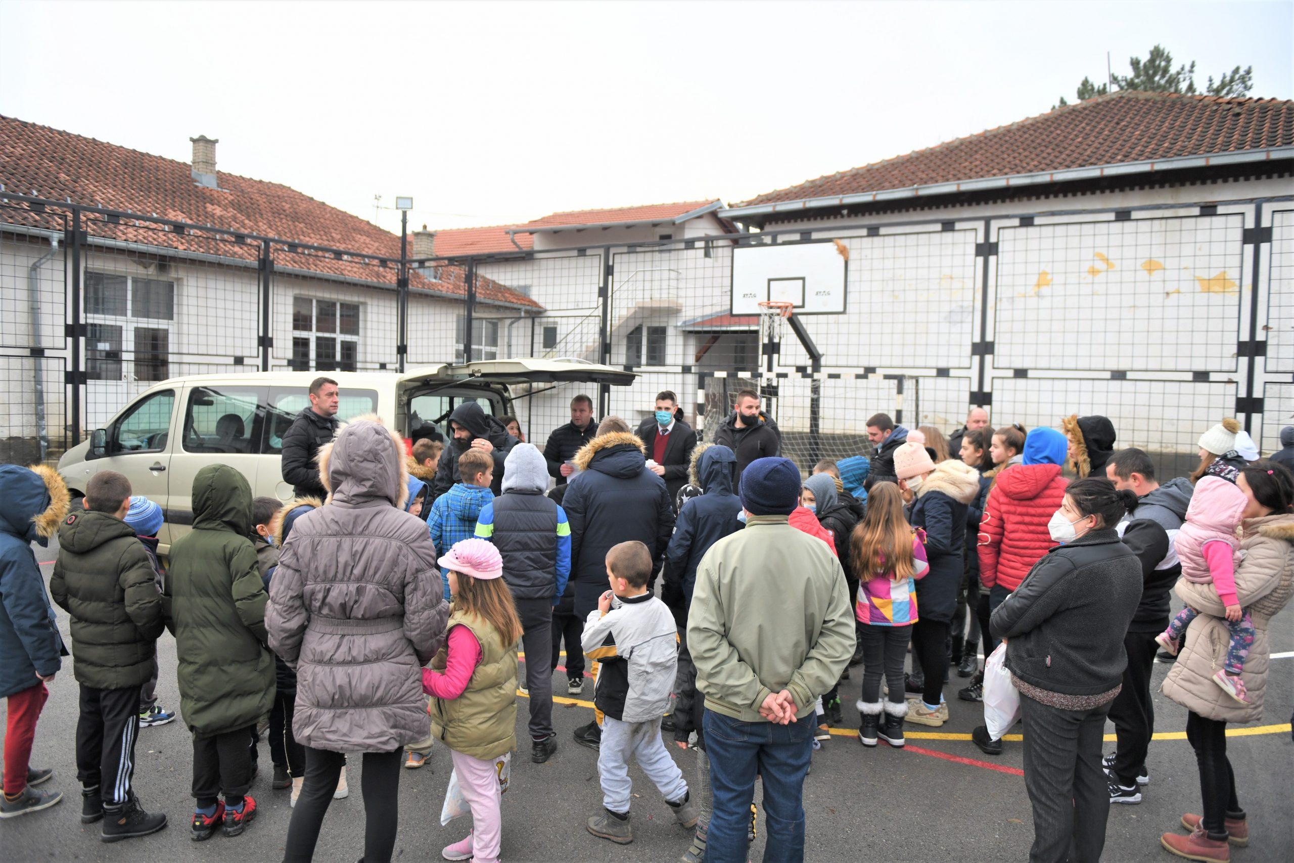 Radost koja nema cenu: Meridian posetio decu na Kosovu i Metohiji (FOTO) 2