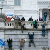 Više od 100 izgrednika uhapšeno zbog nasilnog upada u američki Kongres 4