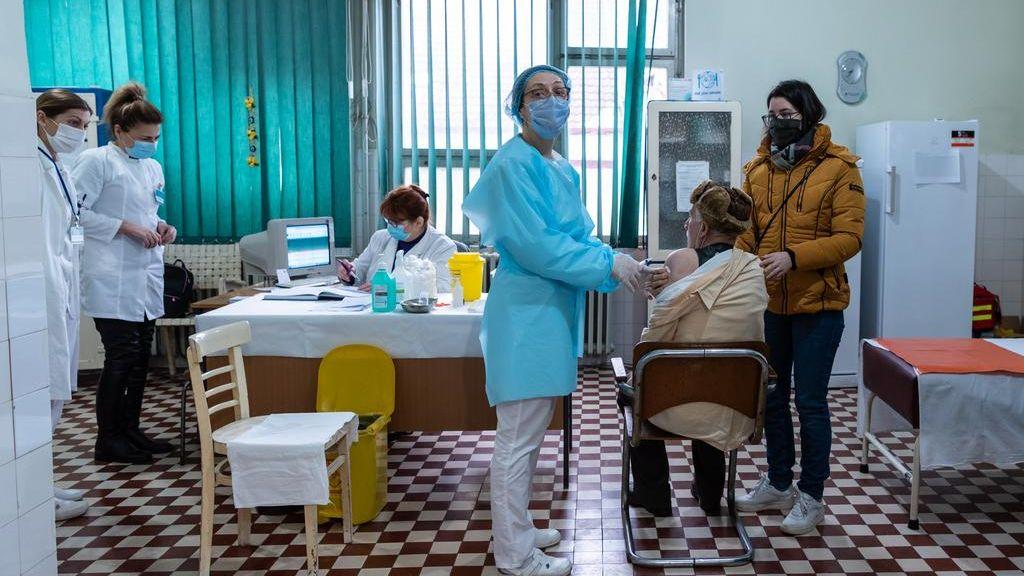 Počela vakcinacija u Zrenjaninu, stiglo oko 2.000 doza vakcina (FOTO) 2
