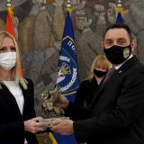 Vulin uručio nagrade najhrabrijim policajcima (FOTO) 7