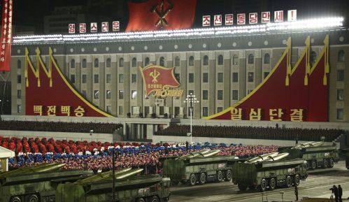 Vojna parada za kraj kongresa Radničke partije Severne Koreje (FOTO) 1