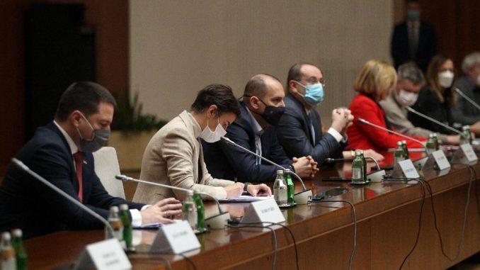 Krizni štab: Epidemiološke mere ostaju na snazi bez promena 4