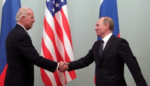 AP: Bajden u prvom razgovoru s Putinom vršio pritisak zbog Navaljnog, hakovanja, Avganistana 1