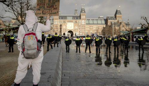 Policijski čas u Holandiji ostaje uprkos protestima 14