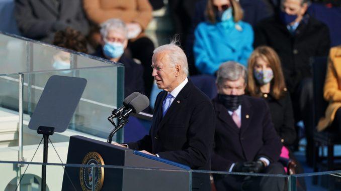 Džozef Bajden preuzeo dužnost predsednika SAD (VIDEO, FOTO) 39
