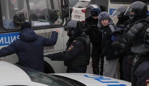 Ruska policija uhapsila više od 2.600 demonstranata koji traže oslobađanje Navaljnog (FOTO) 2