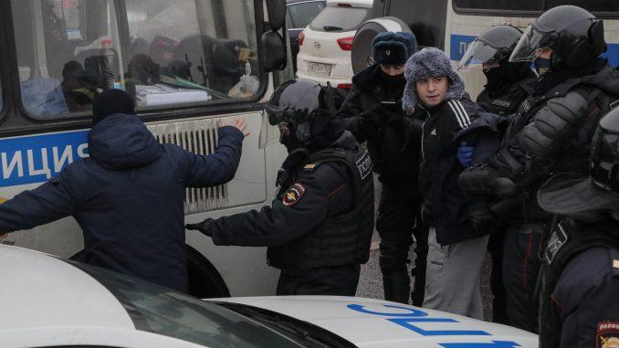 Oko 200 ljudi uhapšeno, među njima i žena Navaljnog na demonstracijama u Rusiji 3