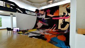 Izložbu nagrađenih radova sa ULUS-ovih izložbi 2020. godine u Galeriji ULUS 4