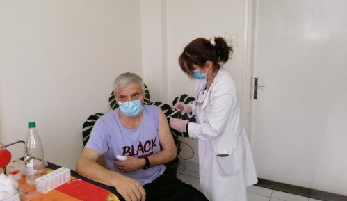 U Kladovu do danas vakcinisano 965, u Majdanpeku 650, a u Negotinu 968 građana 12