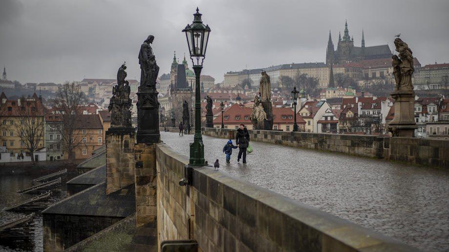 Češka ublažila mere protiv korona virusa 1