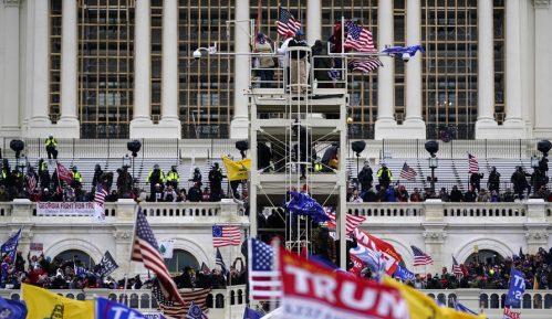 Istraživanje: Tri četvrtine američkih glasača tvrdi da je demokratija pod pretnjom 11