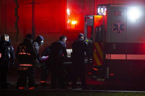 Policija rasterala Trampove pristalice i kompleks Kongresa SAD proglasila bezbednim, jedna osoba preminula (VIDEO, FOTO) 13