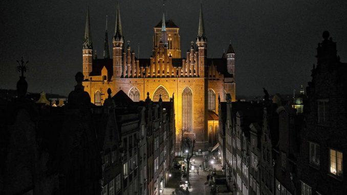 U Poljskoj se sprema masovno kršenje lokdauna od sledeće sedmice 4