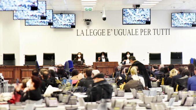 U Italiji počelo najveće suđenje mafiji posle više od 30 godina 3