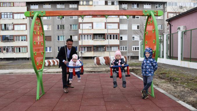 """Izgradnju modernog dečijeg igrališta """"Crvenkapa"""" u Boru pomogla Serbia Zijin Copper 4"""