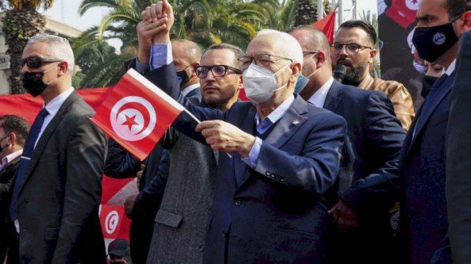 Ne jenjava kriza u Tunisu, hiljade pristalica islamista na ulicama 1