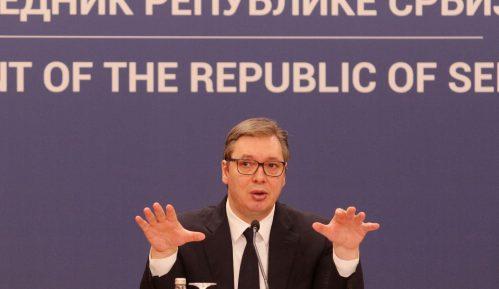 """Vučić o opoziciji kao """"mafijaškim kelnerima i klovnovima"""" 3"""
