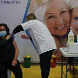 Izrael ukinuo obavezno nošenje maski, otvorio škole 11